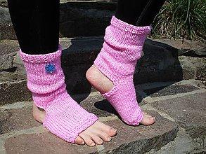 Obuv - ružové ponožky na jógu - 10688819_