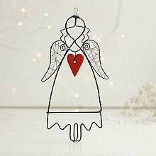 Dekorácie - anjelik s červeným srdiečkom - 10692214_