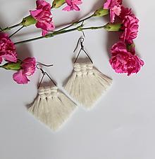"""Náušnice - makramé náušnice """"rozkvitnutá lúka"""" (prírodná biela) - 10692928_"""