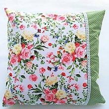 Úžitkový textil - Dekoračné vankúše (Zelená s kvetmi) - 10692266_