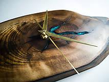 Hodiny - Split - Orechové drevené hodiny - 10692857_