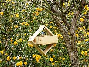 Pre zvieratká - Vtáčie kŕmidlo - 10692854_
