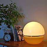 Svietidlá a sviečky - Lampička - Vajíčko v béžovém kabátku - 10691776_
