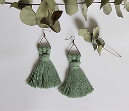 """Náušnice - strapcové makramé náušnice """"rozkvitnutá lúka"""" (eukalyptová) - 10693775_"""