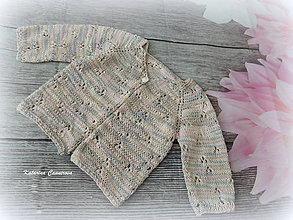 Detské oblečenie - Jemný, ručne pletený svetrík - 10694126_