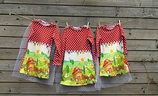 Šaty s vlečkou - červené, dlhý rukáv