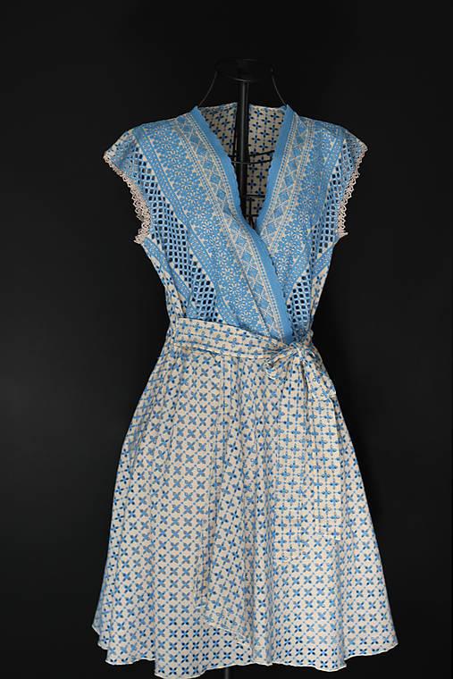 Madeirové vyšívané šaty na leto
