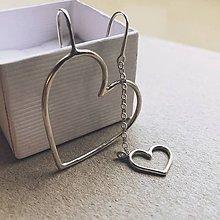 Náušnice - Asymetrické náušnice LOVE - 10694005_