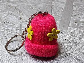 Kľúčenky - kľúčenka...  ružová čiapočka - 10695497_
