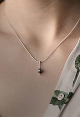 Náhrdelníky - Elegantní stříbrný náhrdelnik Cala - 10694973_