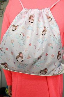 Batohy - Dievčenský batôžtek s baletkami a labuťkami - 10693552_