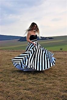 Sukne - Kruhová sukňa pásik - 10695293_