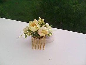 Ozdoby do vlasov - Kvetinový hrebienok do vlasov ...s úsmevom... - 10697048_