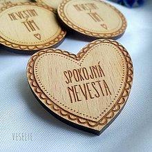 Pierka - Svadobný odznačik . srdiečko - 10698155_