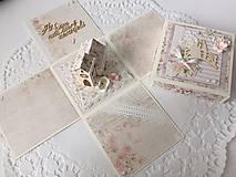 Papiernictvo - Svadobná krabička na peniaze s kostolom - 10697561_