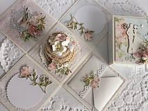 Papiernictvo - Svadobná krabička na peniaze Pivonky - 10697599_