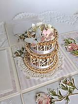 Papiernictvo - Svadobná krabička na peniaze Pivonky - 10697615_