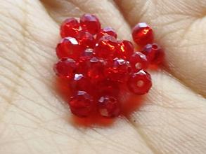 Korálky - Rondelkové korálky - 4 mm (Červená) - 10696517_