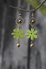 Náušnice - zelený kvet