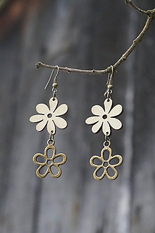 Náušnice - Náušnice - drevený kvet - 10700831_