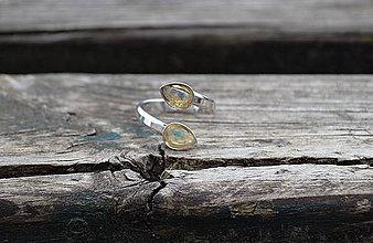 Prstene - Ethiópsky opál rhodiované striebro prsteň - 10699998_