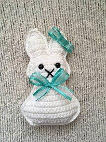 Dekorácie - Zajačik  (13,5cm dĺžka, 7,5 šírka v najširšom bode, 6cm šírka hlavičky - Fialová) - 10700422_