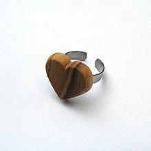 Prstene - Drevený prsteň - olivovníkové srdiečko - 10699176_