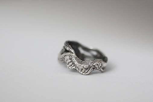 Jedinečný prírodný strieborný prsteň s labradoritom - Šum vetra