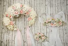 Ozdoby do vlasov - Ružová kvetinová romantická svadobná čelenka s kryštálikmi - 10705140_
