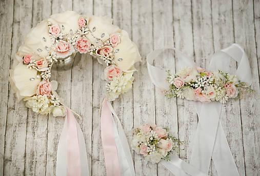 Ružová kvetinová romantická svadobná čelenka s kryštálikmi