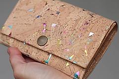 Peňaženky - Korková peňaženka M kde tu dúha - 10704301_