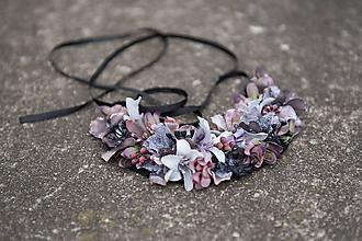 Náhrdelníky - Kvetinový náhrdelník - 10704186_