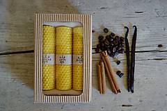 - darčekové balenie sviečok z včelieho vosku- ŠKORICA+VANILKA+KÁVA - 10702579_