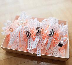 Pierka - Svadobné pierka s dreveným srdiečkom alebo vtáčikom (na výber) - 10705471_