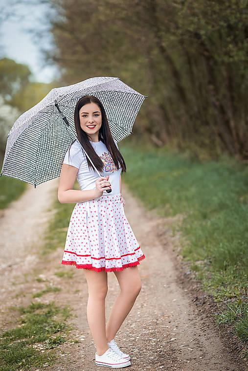 933cd3a85de4 Biela kruhová sukňa so vzorom - červený kvietok   Margaret-design ...
