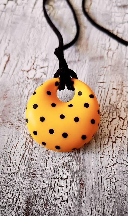 fdc3ce7cd4b9 RETRO donut-náhrdelník (žltý väčší)   Katya dyzajn - SAShE.sk ...