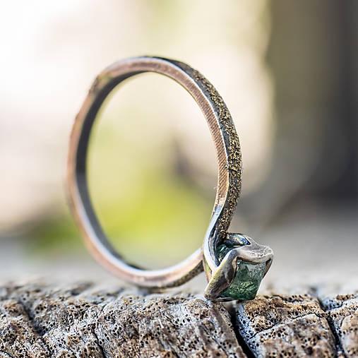 Ako požiadať divožienku o ruku /s diamantom/