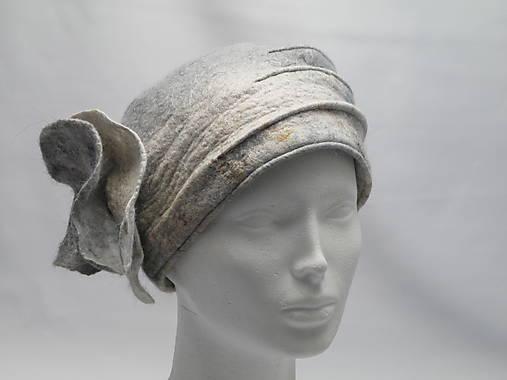 680482df2 Bledomodrá čiapka s tykadlami Vlnená čiapka cez uši Vlnená čiapka s ...