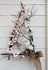 Dekorácie - Jarná dekorácia na dvere - 10705898_