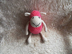 Hračky - Milá háčkovaná ovečka (Ružová) - 10706746_