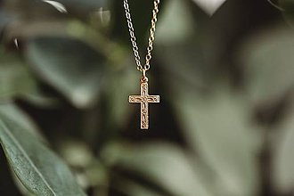 Náhrdelníky - Krížik na zlatej retiazke / gold filled - 10706056_