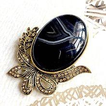 Odznaky/Brošne - Filigree Black Agate Golden Brooch / Filigránová brošňa s čiernym achátom v starozlatom prevedení /2102 - 10710898_