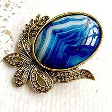 Odznaky/Brošne - Filigree Blue Agate Golden Brooch / Filigránová brošňa s modrým achátom v starozlatom prevedení /2102 - 10710929_