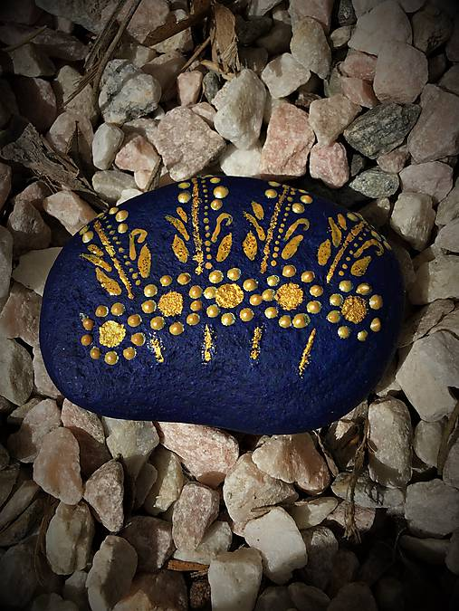 Maľovaný kameň -