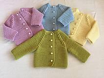Detské oblečenie - Svetrík pre novorodenca - 10710431_