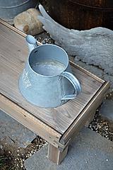 Nábytok - Starý drevený stolček - 10708714_