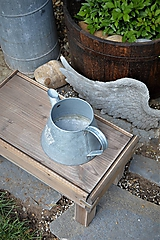 Nábytok - Starý drevený stolček - 10708716_
