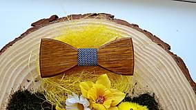 Doplnky - Drevený motýlik  (Drevený motýlik + manzetové gombíky + masívna darčeková krabička) - 10712353_