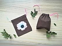 Iné tašky - Ľanové vrecúško na menštruačný kalíšek - kvety - 10715006_