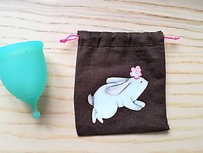 Iné tašky - Ľanové vrecúško na menštruačný kalíšek - bunny - 10714871_